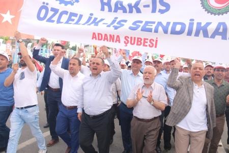 """DEĞİRMENCİ: """"MESAFELER 1 MAYIS COŞKUMUZU AZALTAMAYACAK"""""""