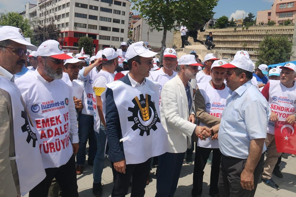 DEĞİRMENCİ, BELEDİYELERDE İŞTEN ÇIKARILAN EMEKÇİLERE DESTEK İÇİN PROTESTO YÜRÜYÜŞÜNE KATILDI