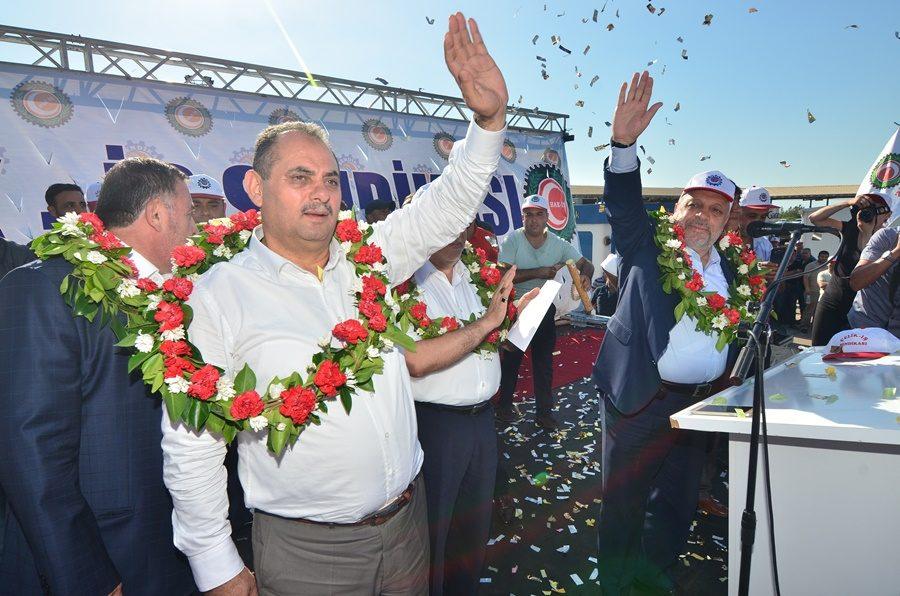 ÇELİK-İŞ'TEN İSDEMİR'DE GÖRKEMLİ KUTLAMA