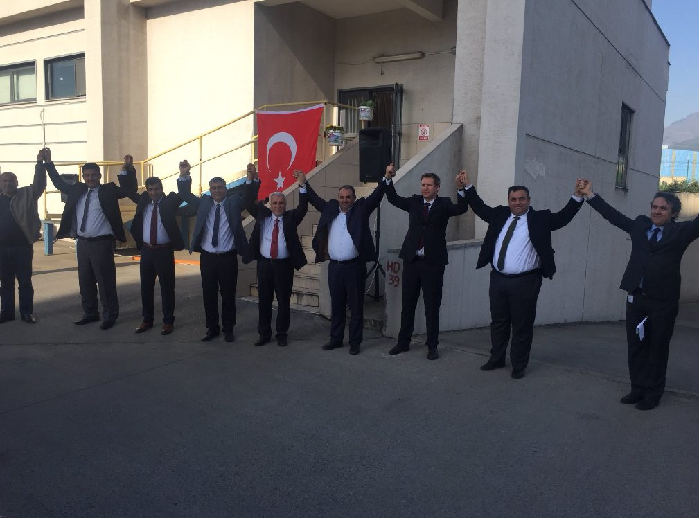 İSKENDERUN'DA ÇELİK-İŞ RÜZGARI