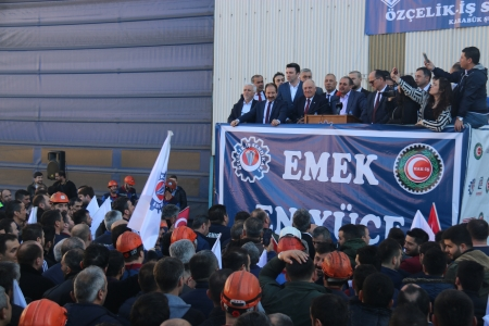 KARDEMİR'DE TOPLU İŞ SÖZLEŞMESİ REKOR ZAMLA İMZALANDI